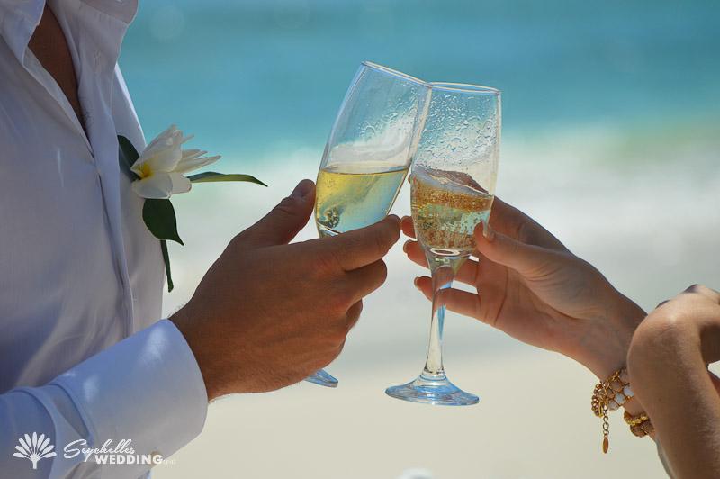 groom-wedding-toast-mahe