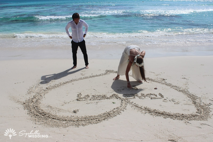 drawing-a-heart-in-the-sand