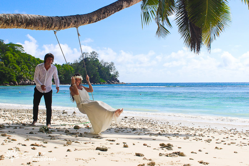 bride-on-the-swing