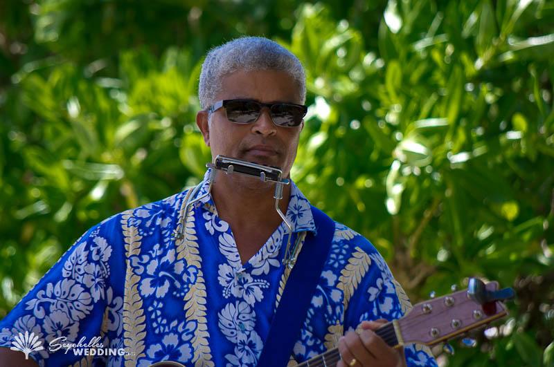 Russian Couple wedding in Seychelles wedding-musician
