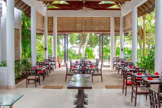 Coco Blu restaurant Praslin