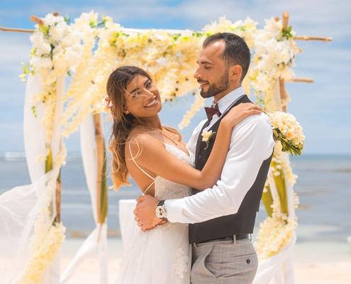 wedding couple at Au Cape