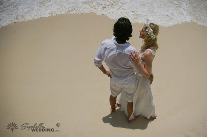 couple-at-praslin-wedding-11