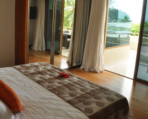 Crown Beach Hotel room 1