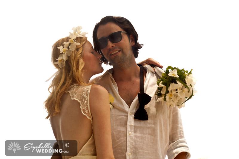 Wedding Praslin-couple-in-love18