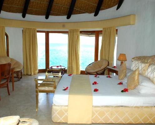 Sunset Beach Hotel bedroom