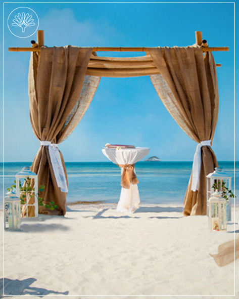This show the Elegant Wedding Package at the beach