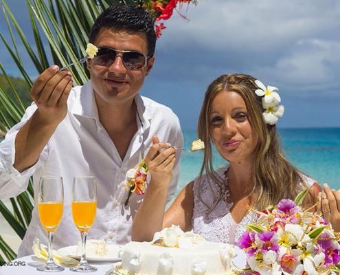sweet wedding cake