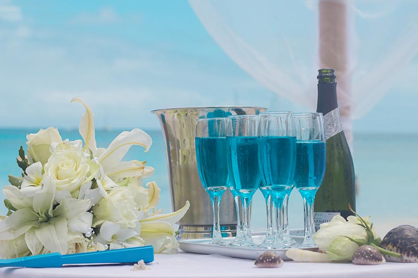 This Photo shows a wedding decoration in a blue theme
