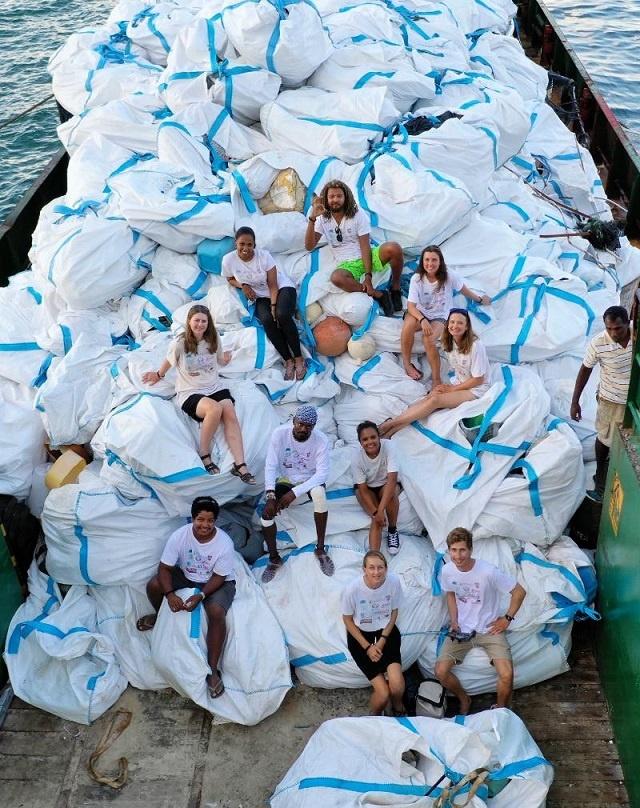 seychellen-strandreinigung